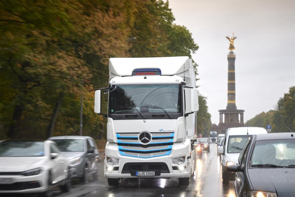 daimler truck eactros